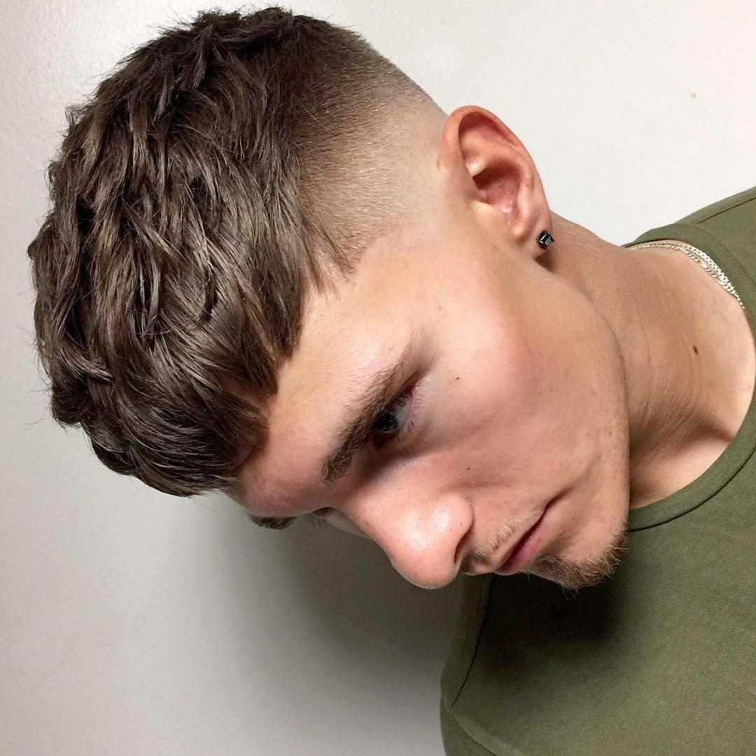 Короткие модные причёски 2018 мужские фото